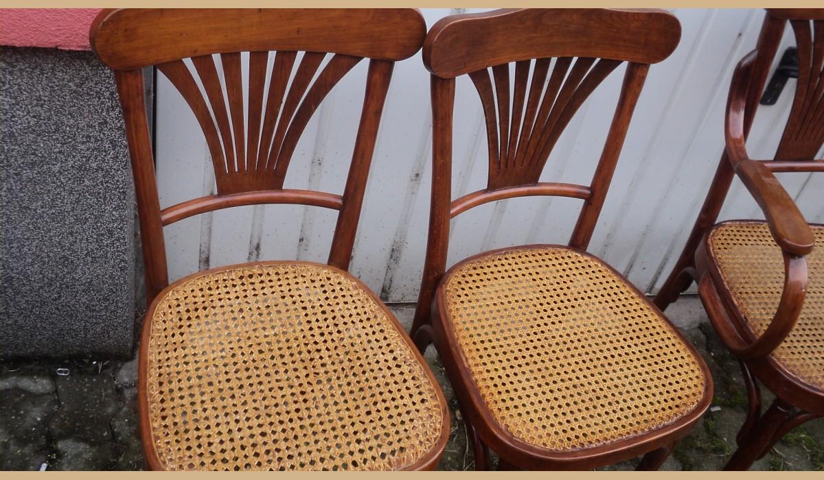 divano con 4 sedie in paglia di vienna