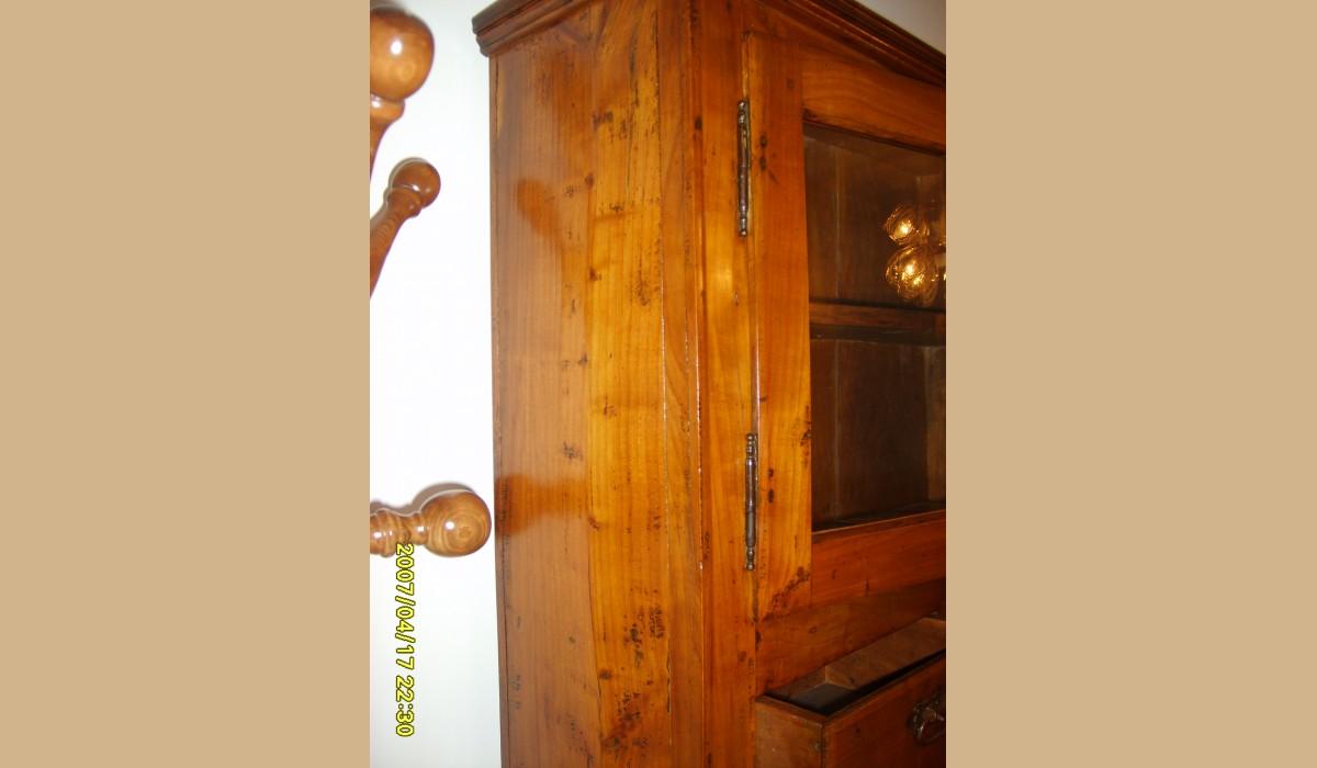 Credenza Rustica Antica : Credenza antica ciliegio massello con ferramenta originale