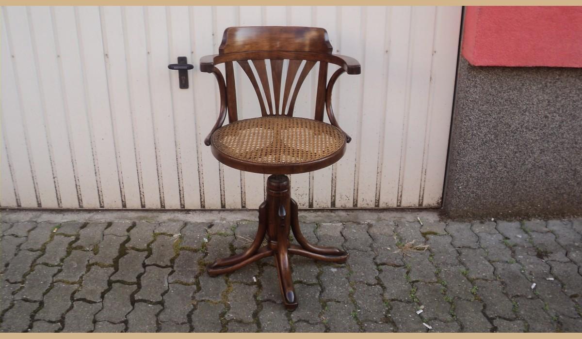 Sedia thonet con seduta girabile for Sedia thonet originale