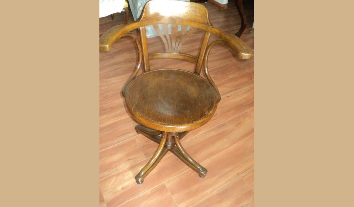 sedia da barbiere regolabile in altezza restaurata