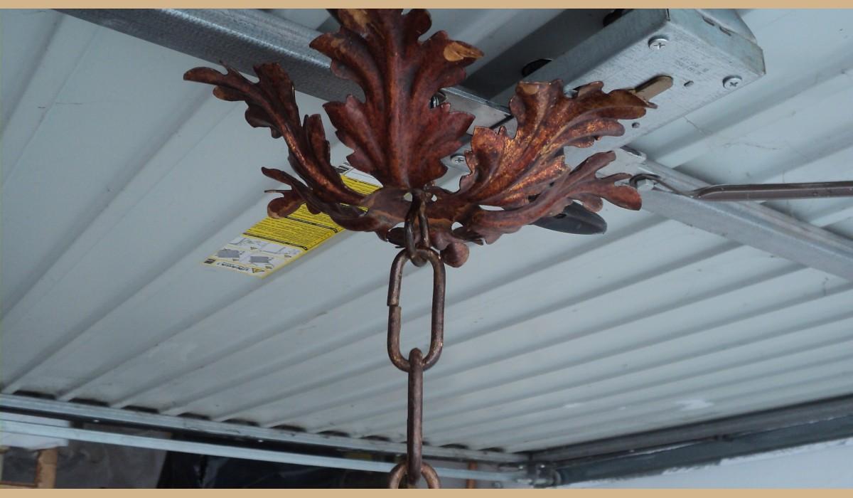 Lampadario Antico In Legno : Lampadario antico in legno